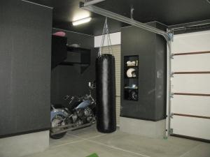 車庫  車・バイク両用の車庫