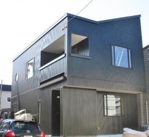 外観  太陽光・自然換気システムで光熱費を大幅に抑えるスマートハウスです。