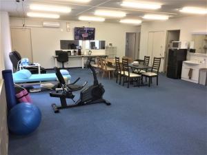 施工後  壁も取り払い、明るくみんなが集う広い部屋となりました。ディサービスで皆さんが楽しむスペース。
