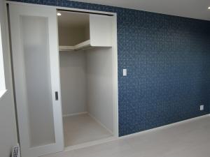 洋室  アクセントクロスで、部屋のイメージも変わりますね