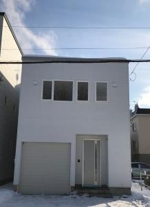外観  インナーガレージの2階建
