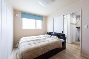 寝室  水回りも近い寝室からは、普段の動きがスムーズに出来そうな動線となっている