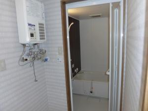 リフォーム後 バスルーム  バスルームも全部取り換えたので、こちらも新築のようです。